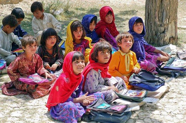 イスラム圏の少女達
