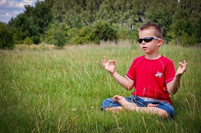 外人が影響をうける瞑想
